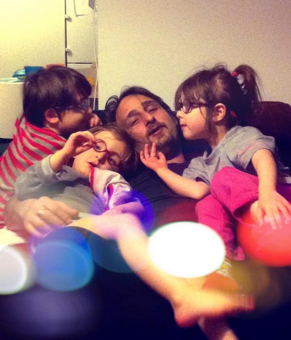 """Claire Barer, maman de triplés  Le blog de triplés- """" La vie des triplés """": trucs, astuces et galères de parents de jumeaux et plus et de familles nombreuses."""